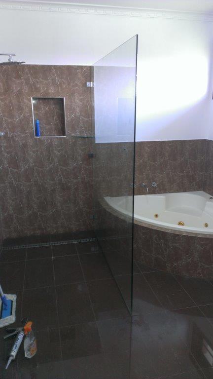 frameless shower panel-ninos-glass
