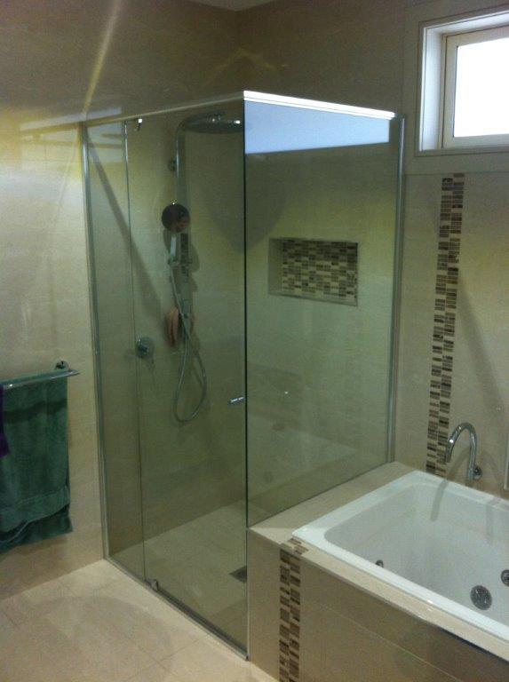 semi-frameless shower screen-ninos-glass
