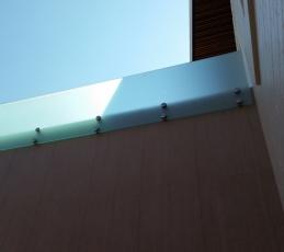 Frameless Glass Privacy screen-ninos-glass-9